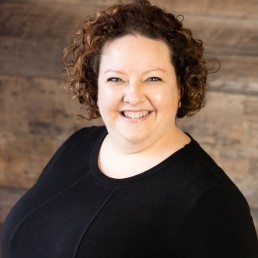 Karine Sénéchal | Gestionnaire de projets | Agence de référencement Web SEO et PPC à Montréal - Phoenix Marketing